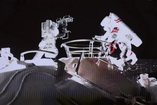 """出艙任務圓滿完成!來認識下航天員的艙外""""好幫手"""""""