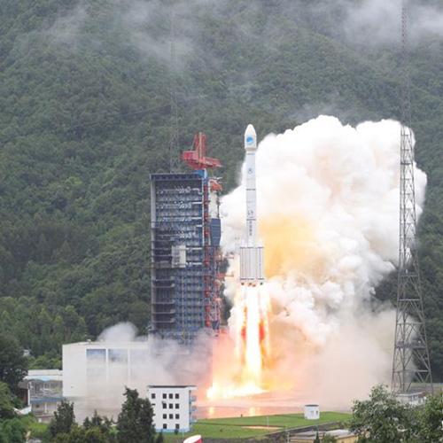 """我國""""一箭雙星""""成功發射兩顆北斗導航衛星"""