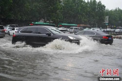 河南這次暴雨為何這麼强?何時能結束?